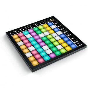 Superfície de Control MIDI USB Novation Launchpad X angle