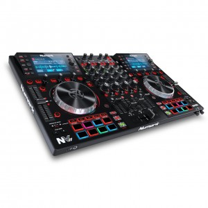 Controlador DJ 4 Canales Numark NVII angle