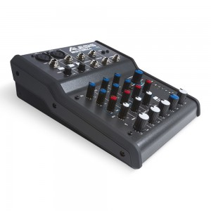 Mezclador Estudio/Directo 4 Canales Alesis MultiMix 4 USB FX angle