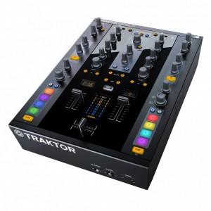Mezclador DJ 2 Canales Native Instruments Traktor Kontrol Z2 angle
